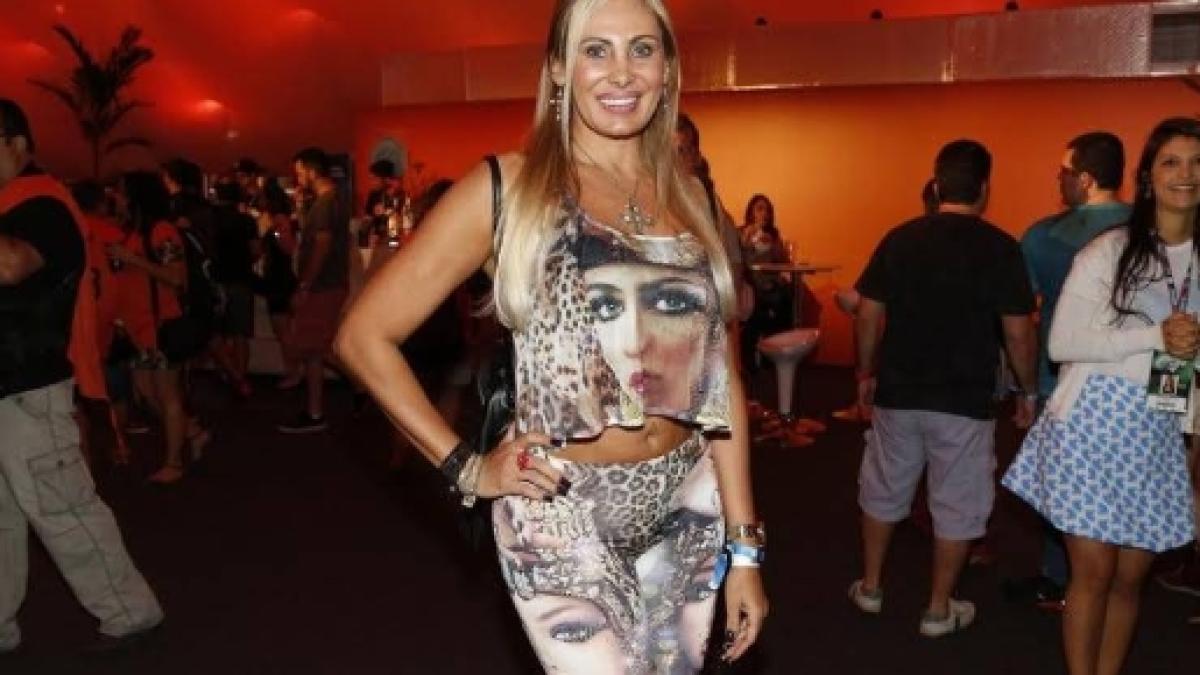 Angela Bismarchi Ângela bismarchi se converte e diz que sentiu a presença de