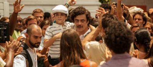"""Benício del Toro interpreta Pablo Escobar em """"Paraíso Perdido"""""""