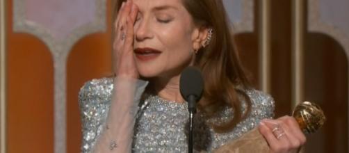 Isabelle Huppert émue après l'obtention du Golden Globe ... - eonline.com