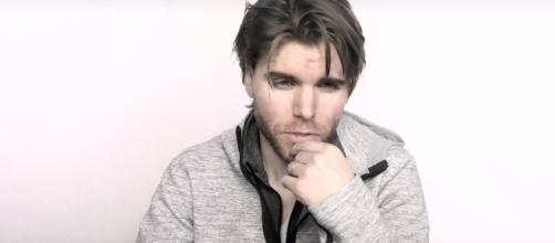 "Screenshot of Onision, via YouTube (""Would Onision Have A One Night Stand With You?"")"