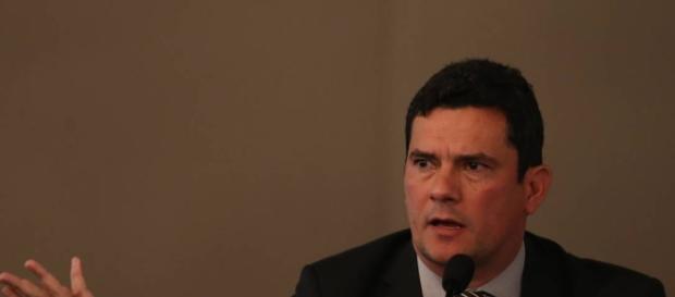 Defesa de Lula formaliza protesto contra atuação de Moro