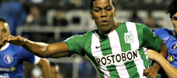 Flamengo tenta levar Berrío; atacante seria uma boa opção para o clube