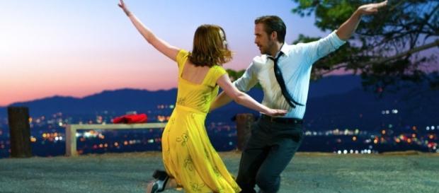 La La Land, il musical romantico e moderno domina i Golden Globe 2017 - diregiovani.it