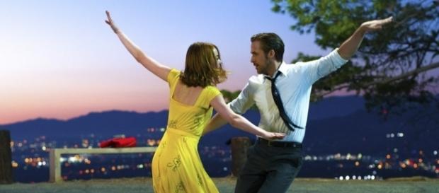 Ryan Gosling and Emma Stone in 'La La Land' / Photo via BBC