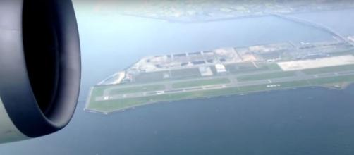 4 most dangerous airports in the world. [Image credit:skyofmoon90/YouTube]