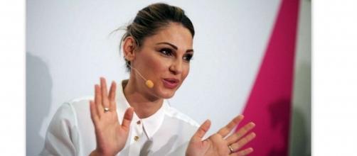 Anna Tatangelo zittisce tutti i gossip