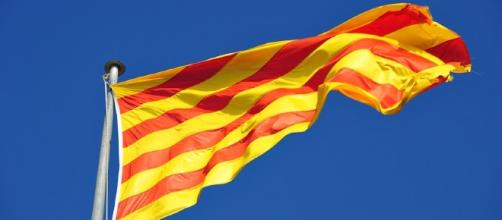 La bandiera della Catalogna, Senyera | Fotografie ... - digitalphoto.pl
