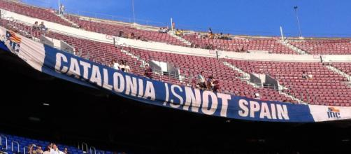 Catalans say yes for independence vote marred by chaos [Image by Nuria / Wikimedia Commons]