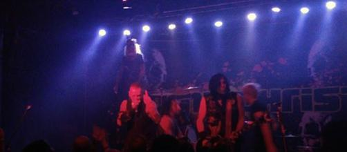 Combichrist tearing it up on stage! (Photo by author Samuel Ear Di Gangi)