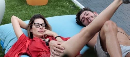 Ignazio Moser massaggia Aida Yespica
