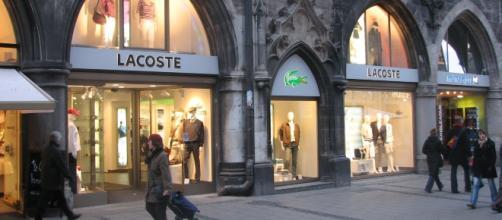 Lacoste store, Image Credit: Topfklao / Wikimedia