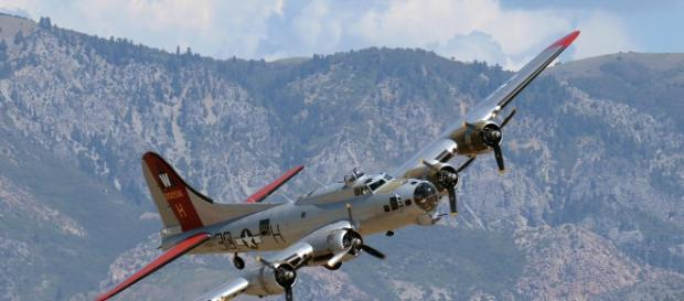 A B-17 bomber similar to the one on a US tour to honor veterans. [Image Credit: US Air Force]