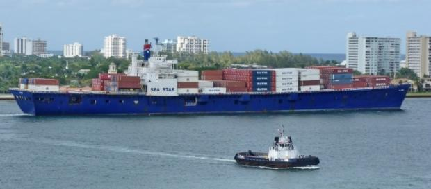A file picture of El Faro before it sunk in 2015. Source;en.wikipedia.org