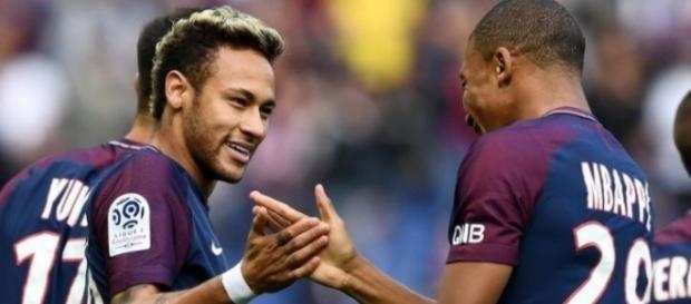 Neymar viveu mais uma tarde feliz, em Paris
