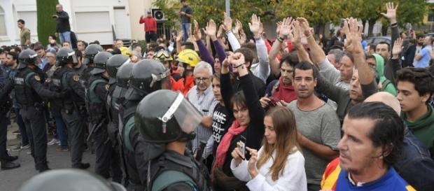 Référendum en Catalogne : La police met la pression aux électeurs