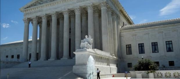 U.S. Supreme Court Returns For New Term [YouTube/Wochit News screencap]