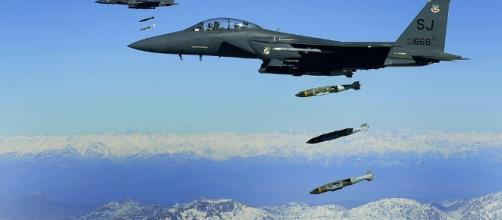 A US Airforce F-15E Striker aircraft in a past bombing mission in Afghanistan. (Photo credits; Defense.gov.| wikimedia)