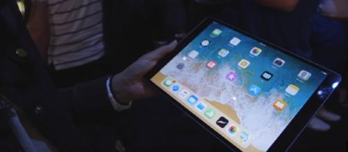 Apple will likely announce the next round of iPad Pro tablets in May 2018. [Image Credit: The Verge/YouTube]