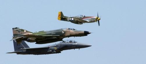 Fighter planes (Image Courtesy: SrA Brandon Kusek/Wikimedia commons)