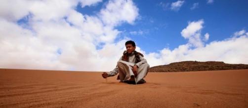 La lucha por la arena del desierto. - 20minutos.es