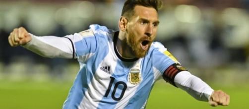 Messi, notte da Maradona: tripletta e Argentina al Mondiale - panorama.it