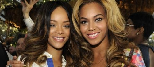 Rihanna e Beyoncé juntas em um evento