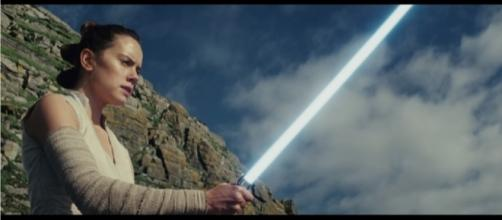 """The new """"Star Wars: The Last Jedi"""" trailer revealed several important details about the movie. [Image Credit: Star Wars/YouTube]"""