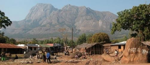 The UN has pulled staff from two regions in Malawi after vigilante mobs killed suspected 'vampires' [Image Mt. Mulanje credit Wikimedia/Lix/GPL]