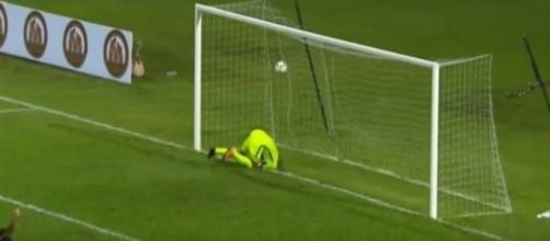 Tim Howard can't save the own goal - iFootballPassion7 via YouTube (https://www.youtube.com/watch?v=WqEq5157pqM)