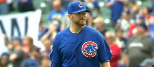 Wade Davis pitches in 2017 - [Image via- MLB / Youtube]