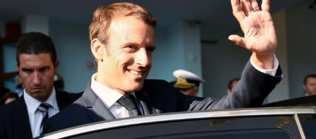 Emmanuel Macron : pourquoi chute-t-il dans les sondages ? - rtl.fr