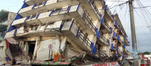 Sube a 32 los muertos por terremoto en México   CB24 Noticias ... - cb24.tv