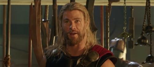 "Fans will still get to see Chris Hemsworth's long hair in ""Thor: Ragnarok."" (Jimmy Kimmel Live/YouTube)"