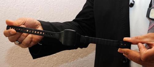 Turchia: braccialetti elettronici per combattere le violenze domestiche.
