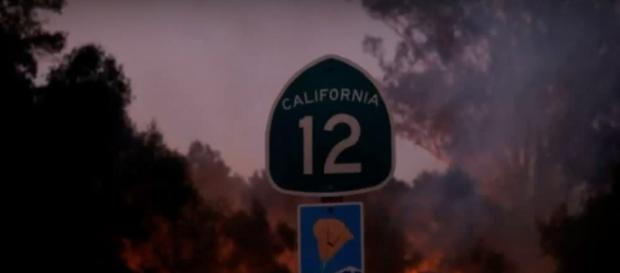 California fires: 23 killed, hundreds missing as blazes rage. [Image Credit: International News/Youtube]