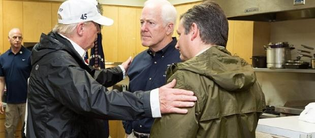 Ted Cruz and John Cornyn chat with President Trump [Image via White House wikimedia commons]