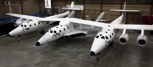 White Knight Two with SpaceShipTwo attached [Image courtesy Virgin Galactic/Mark Greenberg wikimedia commons]