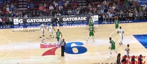 Boston Celtics vs Philadelphia Sixers [Image via Ximo Pierto/youtube screencap]