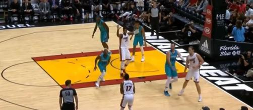 Charlotte Hornets vs Miami Heat [Ximo Pierto/YouTube]
