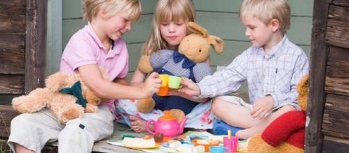 Crianças podem brincar do que quiserem brincar