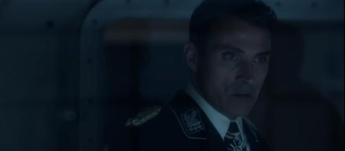 John Smith learns more about alternate realities, (Image Credit: 'Man in the High Castle'/Youtube)