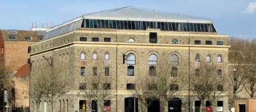 The Arnolfini in Bristol. Bristol's leading contemporary art gallery – Wikipeidia commons