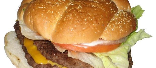 How to create the perfect hamburger [Image-TheImpulseBuy   wikimedia commons]