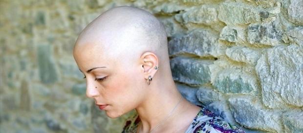 Alguns sintomas servem de alerta para descoberta do câncer