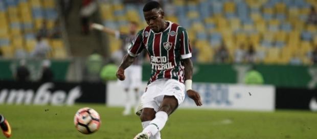 Fluminense deverá fechar com patrocinador master ainda em 2017 (Foto: Net Flu)