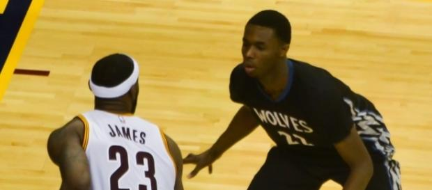 LeBron James and Andrew Wiggins [Image by Erik Drost|Wikimedia Commons| Cropped | CC BY- 2.0 ]