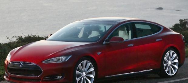 Tesla Model S Signature. [Image Credit: Intel Free Press/Wikimedia Commons]