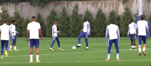 Chelsea players gear up for their match against Palace [Image via Chelsea FC YouTube]