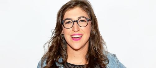 """Mayim Bialik, Amy Farrah Fowler nella sitcom """"The Big Bang Theory"""""""