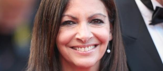 Anne Hidalgo devient la risée du web ! - public.fr